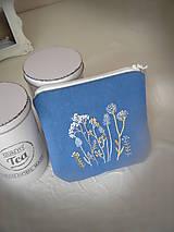 Taštičky - Modrá ručně vyšívaná taštička - 13320199_