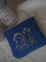 Taštičky - Modrá ručně vyšívaná taštička - 13320202_