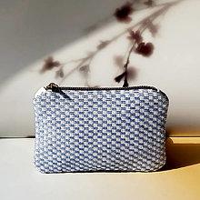 Peňaženky - Ručne vyšívaná elegantná peňaženka - blue - 13322005_