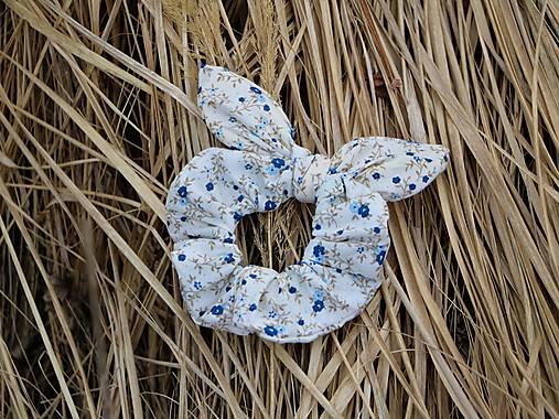 Scrunchies ušatá malé kvietky modré