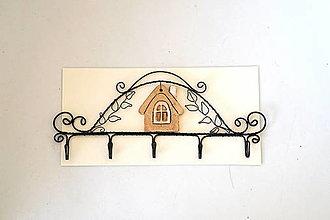 Nábytok - vešiak s domčekom - 13324494_