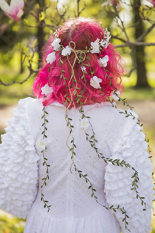 """Kvetinový venček so závojom """"keď v duši kvitne"""""""