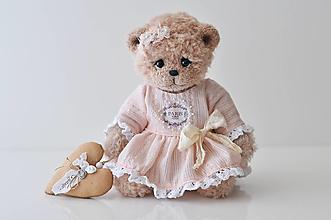 Hračky - Háčkovaná medvedica Chloé - 13330020_