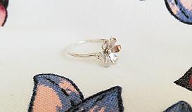 Prstene - Strieborný prsteň - Kvietok - 13334178_
