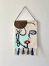 Dekorácie - háčkovaná dekorácia na stenu Žena - 13334598_