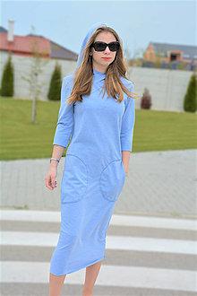 Šaty - Teplákové šaty Eve s kapucňou a 3/4 rukávom - 13338206_