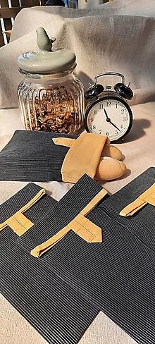 Úžitkový textil - Desiatové vrecúško dvojvrstvové na gombík _ Elegán so slnkom v duši - 13336130_