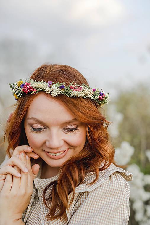 """Kvetinový venček  """"poľom pieseň znie"""""""