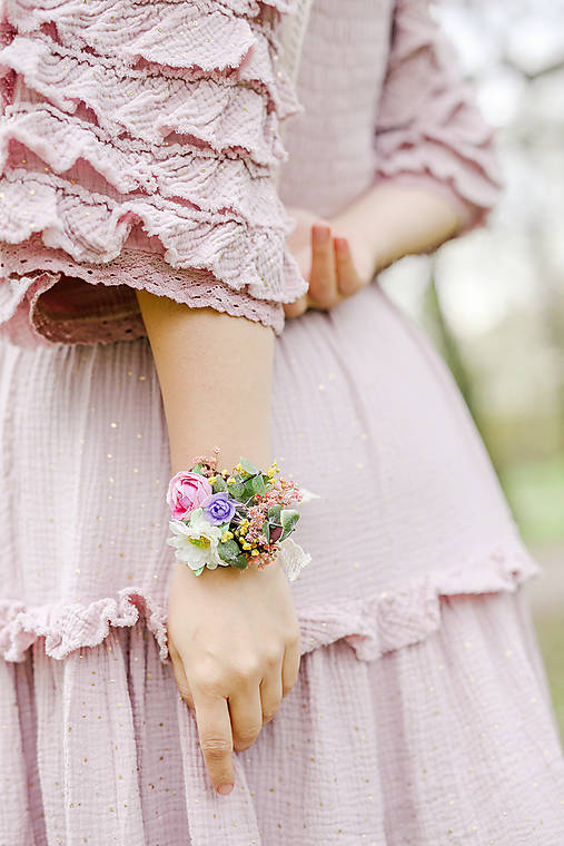 """Kvetinový náramok """"prevoňané lúčnymi tajomstvami"""""""