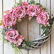 Dekorácie - Veniec na dvere ...s ružičkami... - 13342389_