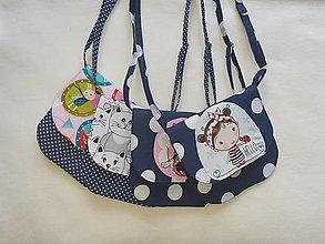 Detské tašky - Detská kabelka modrá  (Veľké bodky myška) - 13341293_