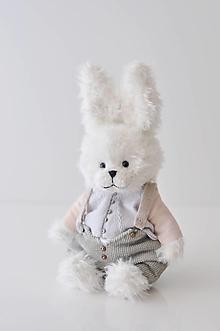 Hračky - Háčkovaný zajac Oscar - 13341875_