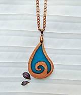 Náhrdelníky - Náhrdelník drevo a živica - 13343040_