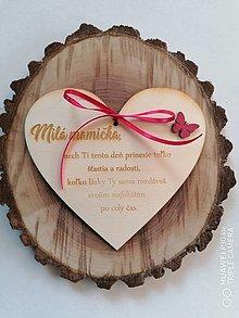 Tabuľky - Srdce pre mamičku s motýľom - 13344409_