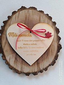 Tabuľky - Srdce pre mamičku s kvietkom - 13344410_