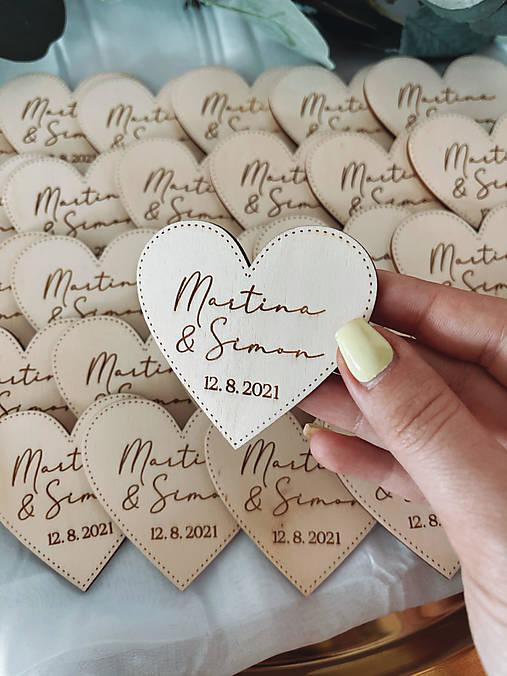 Magnetky pre svadobných hostí simple