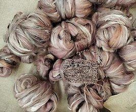 Materiál ručne robený - Ručne načesaný mix vlákien na pradenie, Rosedust - 13350078_