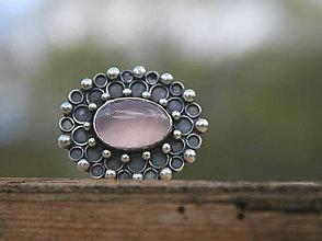 Prstene - Strieborný prsteň s ruženínom - 13351187_