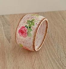 Náramky - drevený náramok ružičky - 13352954_