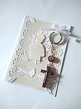 Papiernictvo - pohľadnica 1. sväté prijímanie pre chlapca s darčekom - 13354541_