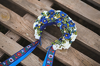 Ozdoby do vlasov - Folklórna svadobná kvetinová parta - kráľovsky modrá - 13357538_