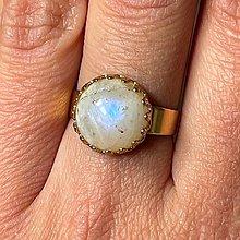Prstene - Moonstone Stainless Steel Golden Ring / Elegantný prsteň s mesačným kameňom - 13361383_