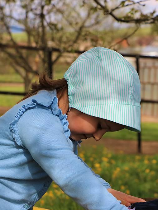 Detský čepiec pásik zelený