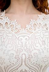 Šaty - Svadobné šaty z hrubej krajky a Áčkovej sukne s vlečkou - 13360298_