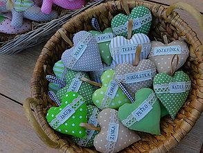 Darčeky pre svadobčanov - Levanduľové srdiečka s menom, 10 cm - 13363233_