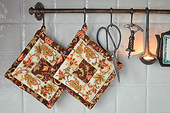 Úžitkový textil - Hnedé ornamentové chňapky - 13367402_