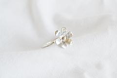 Prstene - Strieborný prsteň - Kvietok - 13364853_