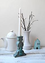 Svietidlá a sviečky - Starý svietnik na tenkú sviečku - 13368732_