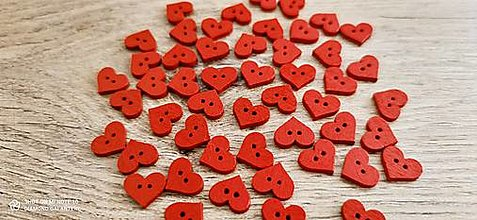 Galantéria - Drevený gombík srdiečko - 15x12 mm - červené - 13371678_