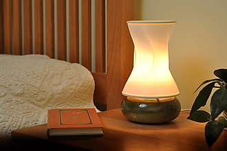 Svietidlá a sviečky - Stolná lampa z keramiky- Wave - 13370399_