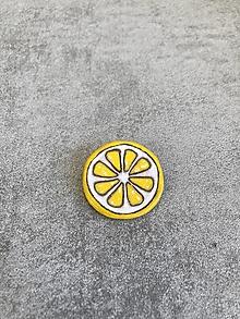 Odznaky/Brošne - Keramická brošňa - citrón - 13371491_