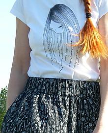 Sukne - Sukňa Biela lúka na čiernej - 13373311_