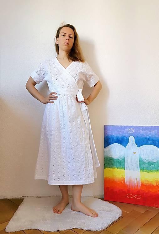 Zavinovacie šaty z madeiry