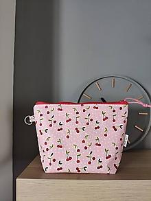 Taštičky - Kozmetická taštička Cherry (Ružová) - 13373545_