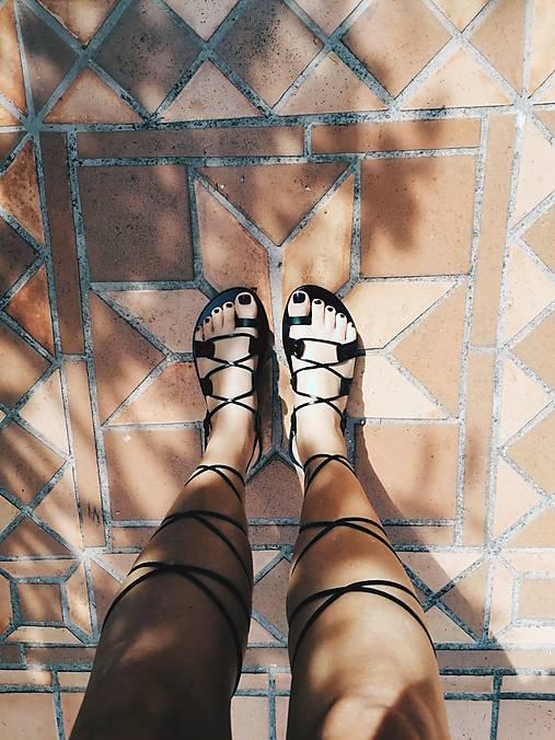 Obuv - Gladiátor kožené sandále (Čierna) - 13375567_