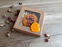 Dekorácie - Vonný vosk v krabičke (kruh ruža) - 13376539_