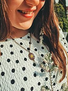 Náhrdelníky - Nosím si lúku so sebou - náhrdelník - 13379017_
