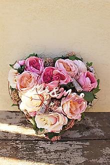 Dekorácie - Aranžmán srdce s ružami - 13378241_