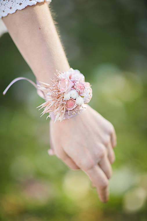 """Kvetinový náramok """"tajomstvá jarných dní"""""""