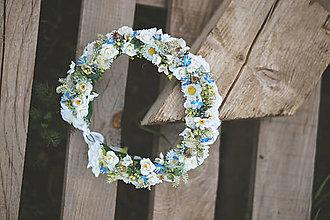 Ozdoby do vlasov - Biely kvetinový venček na štýl party UNI VEĽKOSŤ - 13382749_