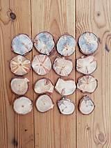 Dekorácie - Plátky borovicové nepravidelné - priemer 4,5 - 5,5 cm, balenie 15+1 ks - 13382374_