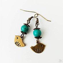 Náušnice - Handmade náušnice z liečivého kameňa tyrkenitu s vtáčikom - 13386439_