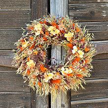 Dekorácie - Oranžový veniec na dvere - 13392777_