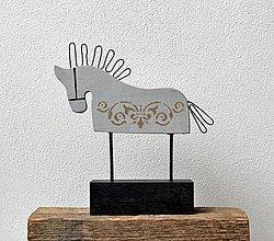 Socha - Drevený koník - svetlo-sivý - 13391688_