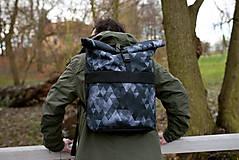 Batohy - Rolovací batoh Černé trojuhelníky - velký - 13390316_