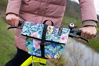 Iné tašky - Taštička na kolo barevná zahrada - malá - 13390745_
